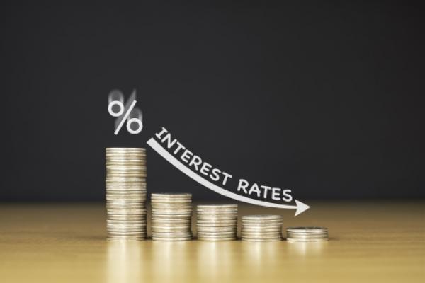 les taux d'intérêt continuent de chuter en France